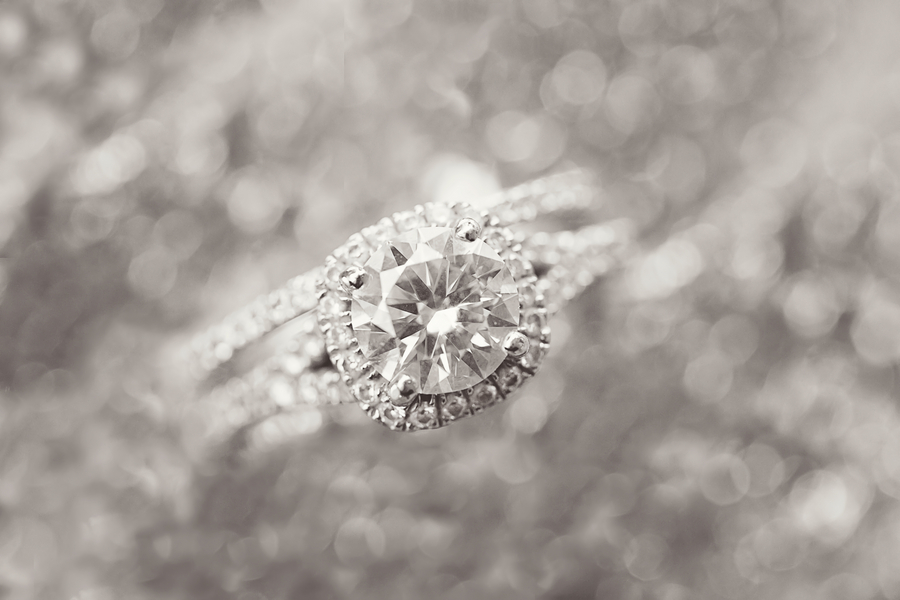 Mandy_Owens_Photography-061815-wedding-rings.jpg