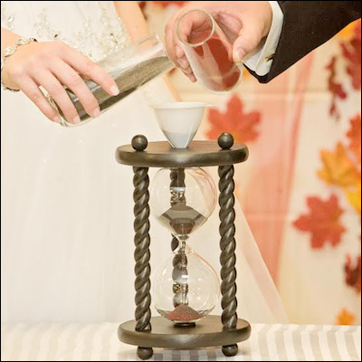 Heirloom Hourglass