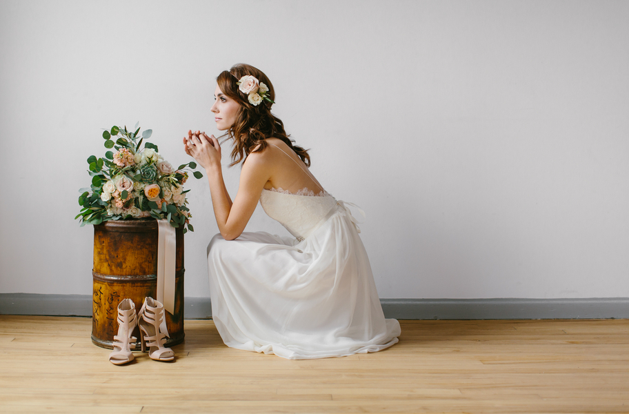 Styled Bridal Session with Handmade Wedding Gown by Cettina / photo by Maggie Fortson Photography