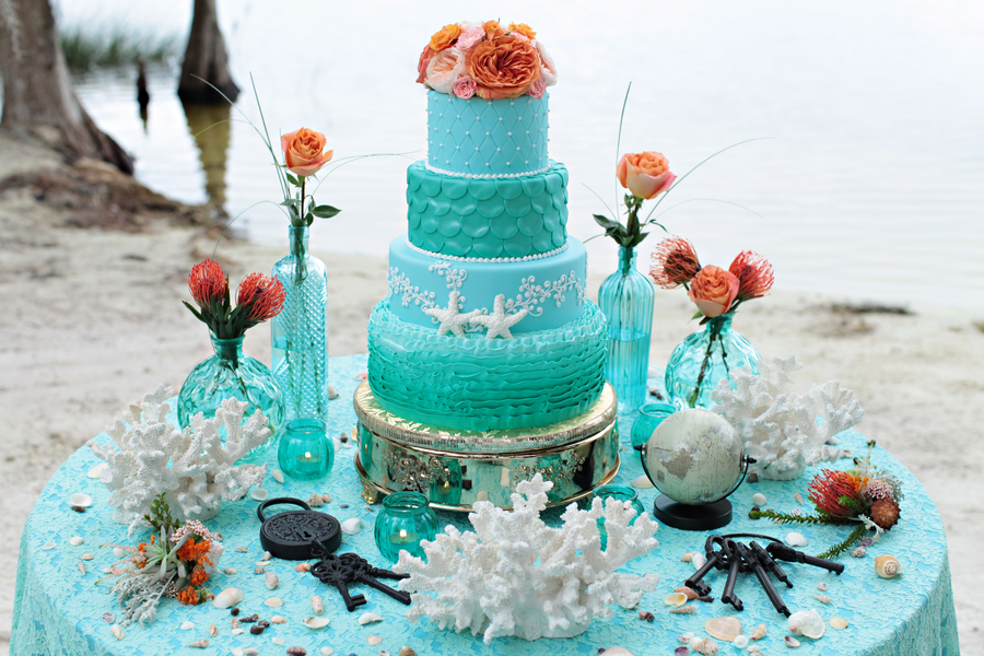Gorgeous Aqua Blue Beach Wedding Cake by Anna Cakes / photo by Tab McCausland Photography