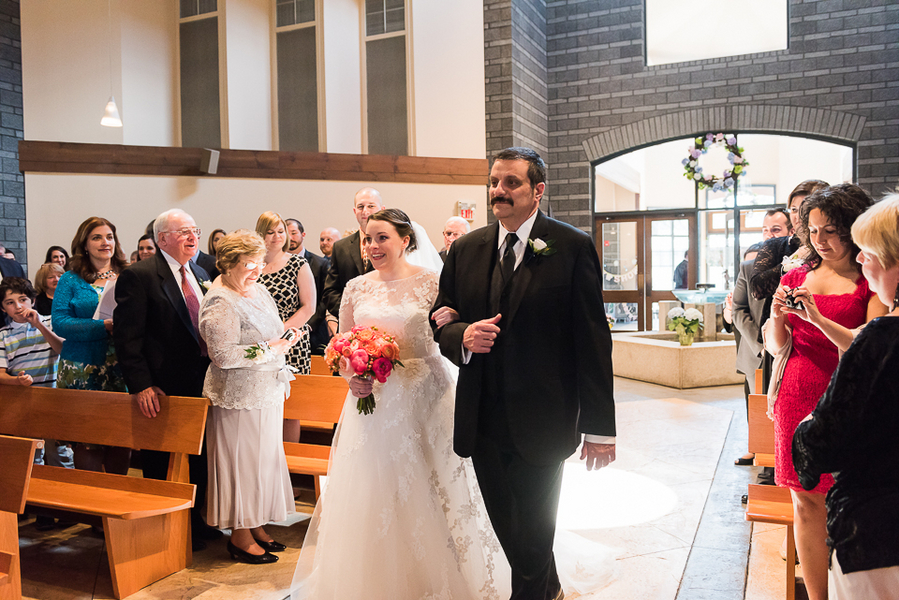 Bride and Dad Walking Down the Aisle / photo by Havana Photography