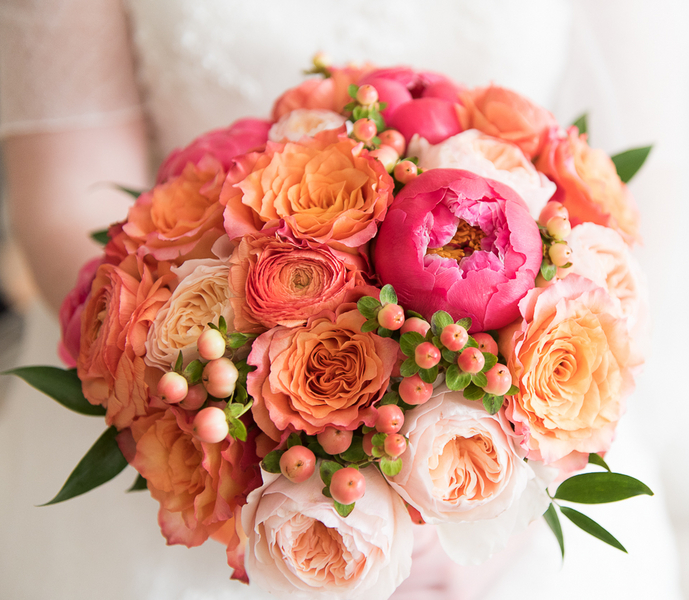 Stunning Pink and Orange Wedding Bouquet / photo by Havana Photography / Florals by Barbara Bell Design