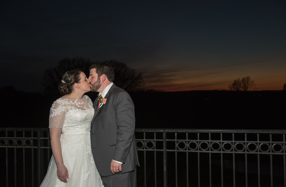 Bride and Groom Sunset Kiss at a New Jersey Golf Course Real Wedding / photo by Havana Photography
