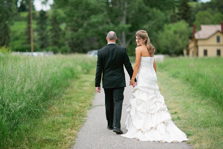 Loree-Photography-081415-bride-groom-away.jpg
