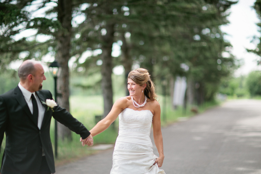 Loree-Photography-081415-couple-walking.jpg