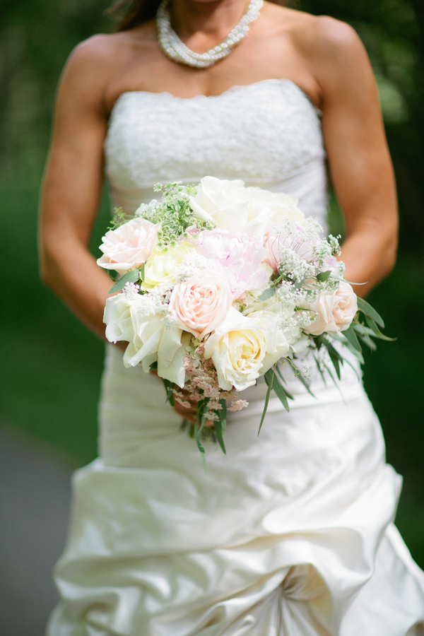 Loree-Photography-081415-pastel-bouquet.jpg