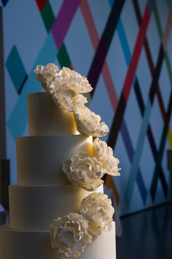 Candice-C-Cusic-Photography-091815-wedding-cake.jpg