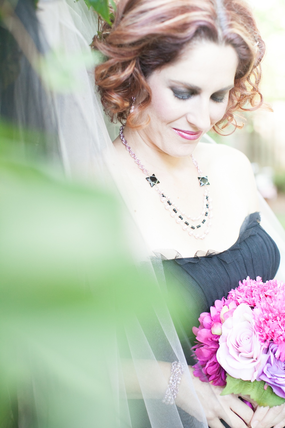 Elegant Halloween Wedding Styled Shoot / florals by EightTreeStreet / photo by {a}strid Photography