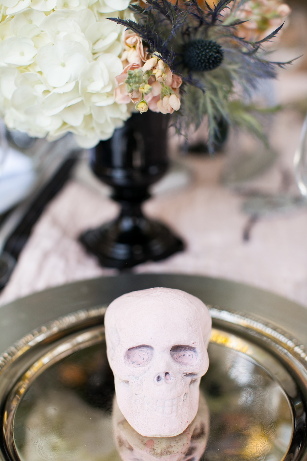 Classy Halloween Wedding Styled Shoot / florals by EightTreeStreet / photo by {a}strid Photography