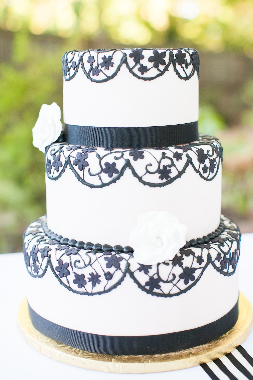 Elegant Halloween Wedding Cake by Lil' Tea's Specialty Desserts / photo by {a}strid Photography