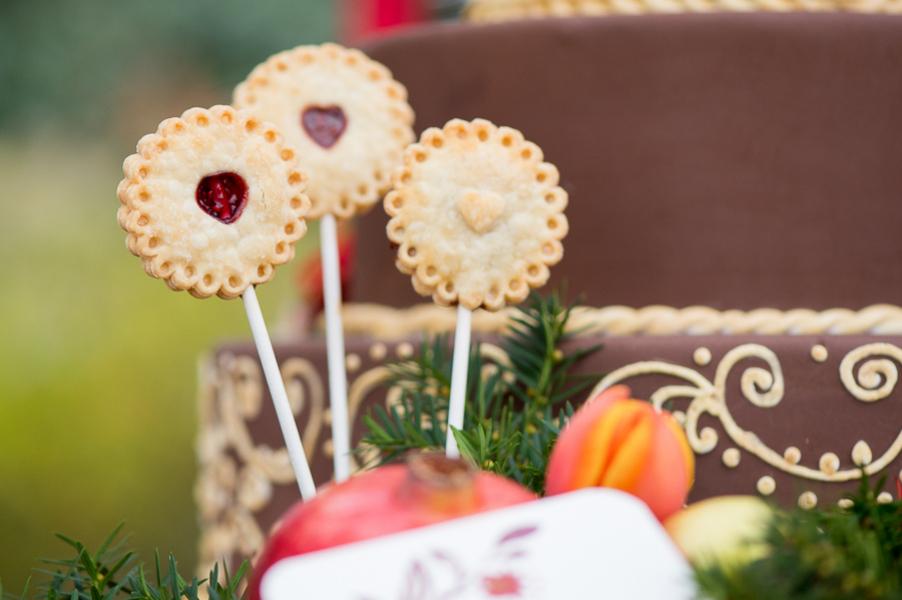 Pomegranate-Winter-Wedding-120415-pie-pops-2.jpg