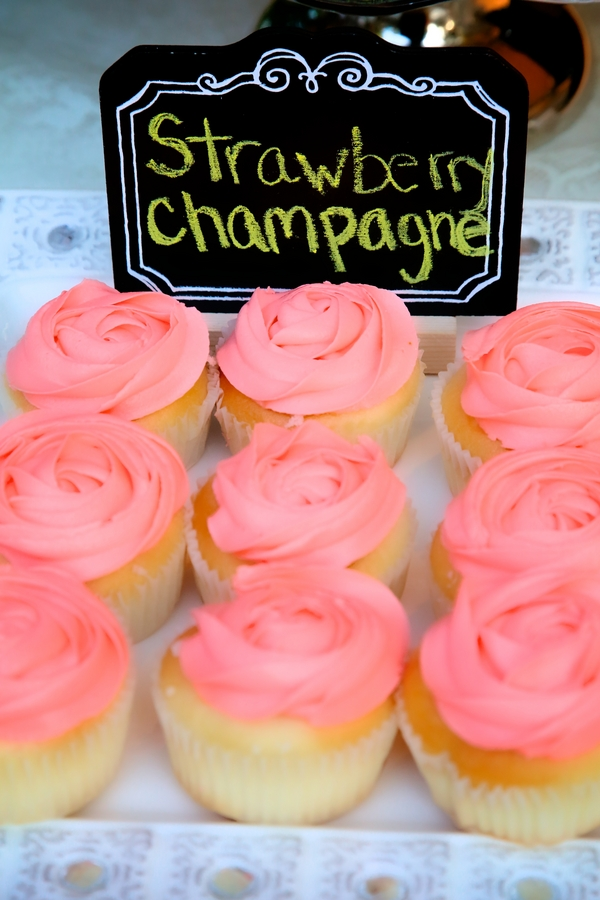 Strawberry Champagne Wedding Cupcakes / photo by sun-dance photography