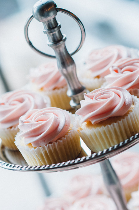 Pink Frosted Wedding Cupcakes / photo by Pure Aperture Photography / Created by Cake Box
