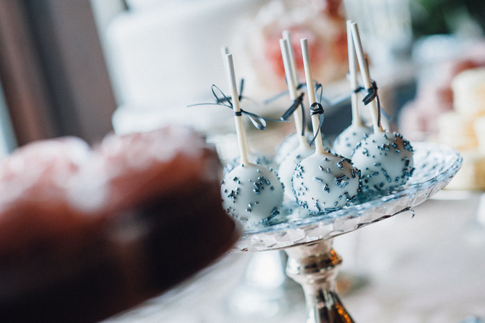 Something Blue Wedding Cake Pops by Cake Box / photo by Pure Aperture Photography