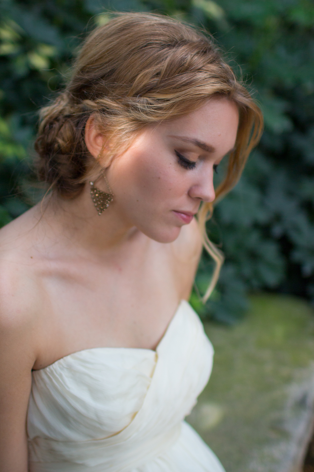 A romantic bridal inspiration styled shoot with a pretty braided hairstyle / photo by Spark Photography