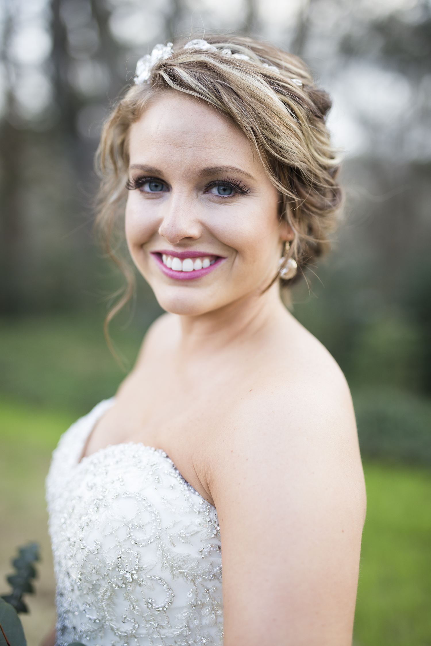 sleepy-hollow-styled-shoot-bridal-portrait-detail.jpg