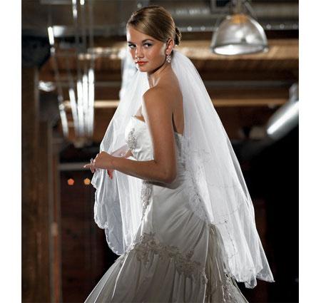 Scalloped Edge & Embroidery White Bridal Veil