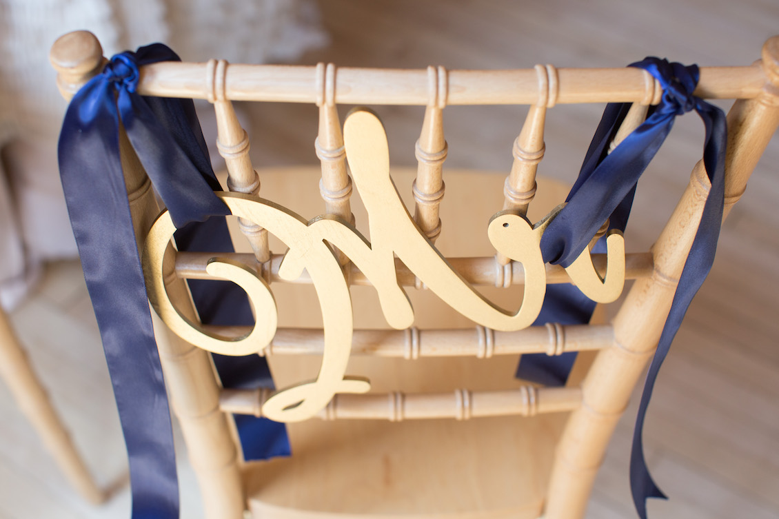 Handmade Mr Chair Sign for Wedding Decor / Photography by Amy Nicole