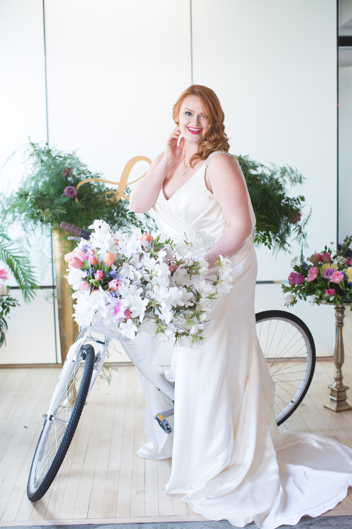 A Bride and her Decorated Bike - the perfect wedding decor accent / Florals by EightTreeStreet / Photography by Amy Nicole