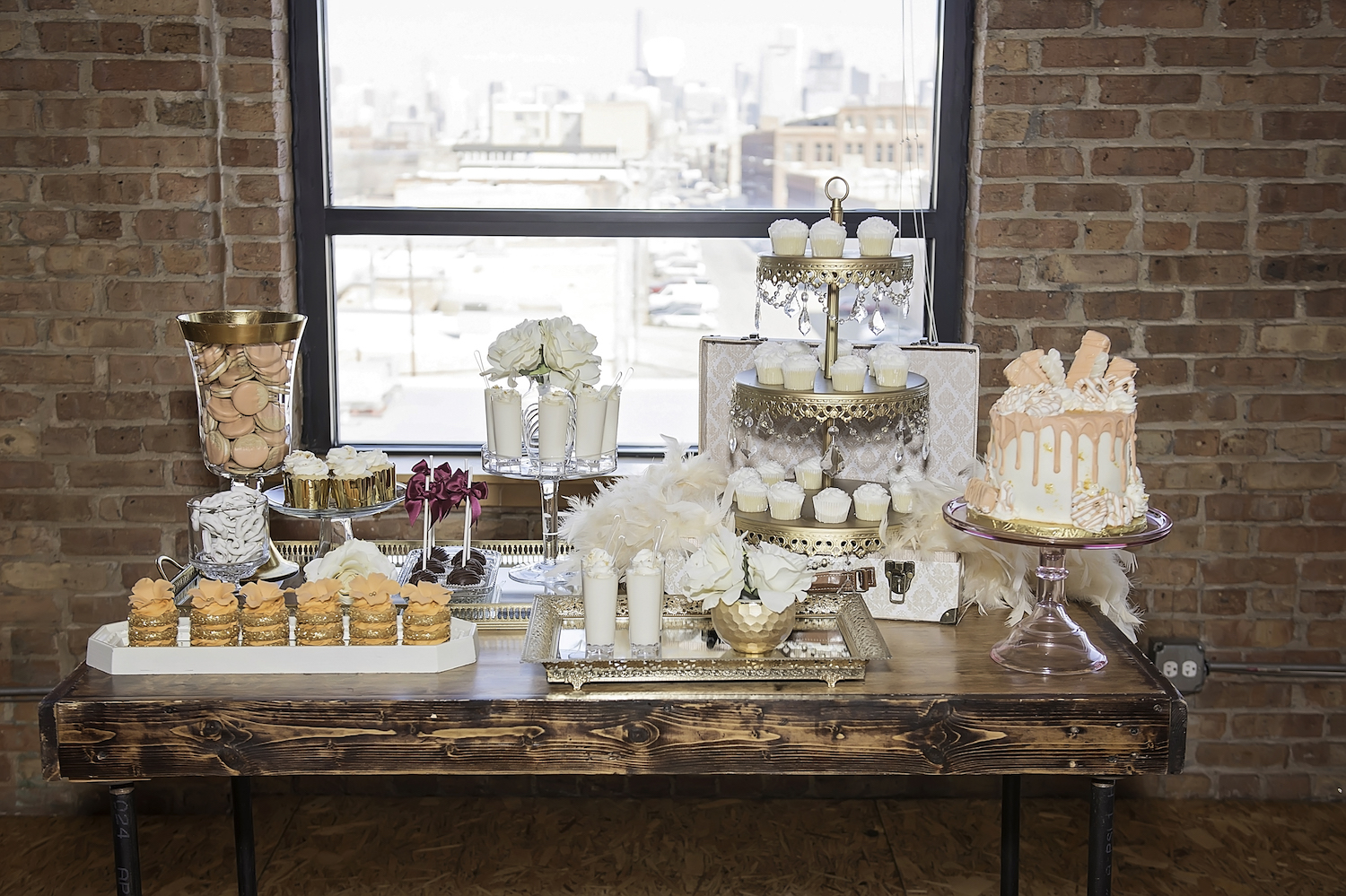 Chicago Wedding Styled Shoot - where urban meets vintage / photo by Maria Nicole Photography