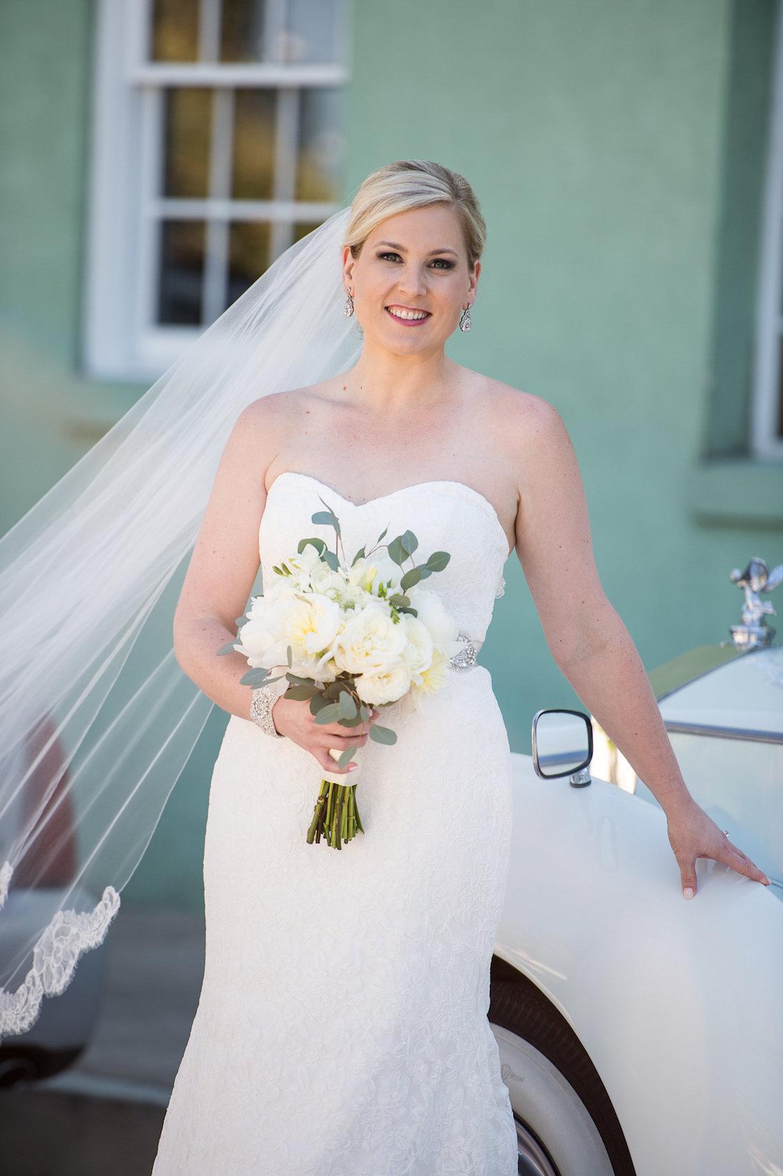 Elegant Summer Wedding in Florida - Bridal Portrait / Séverine Photography