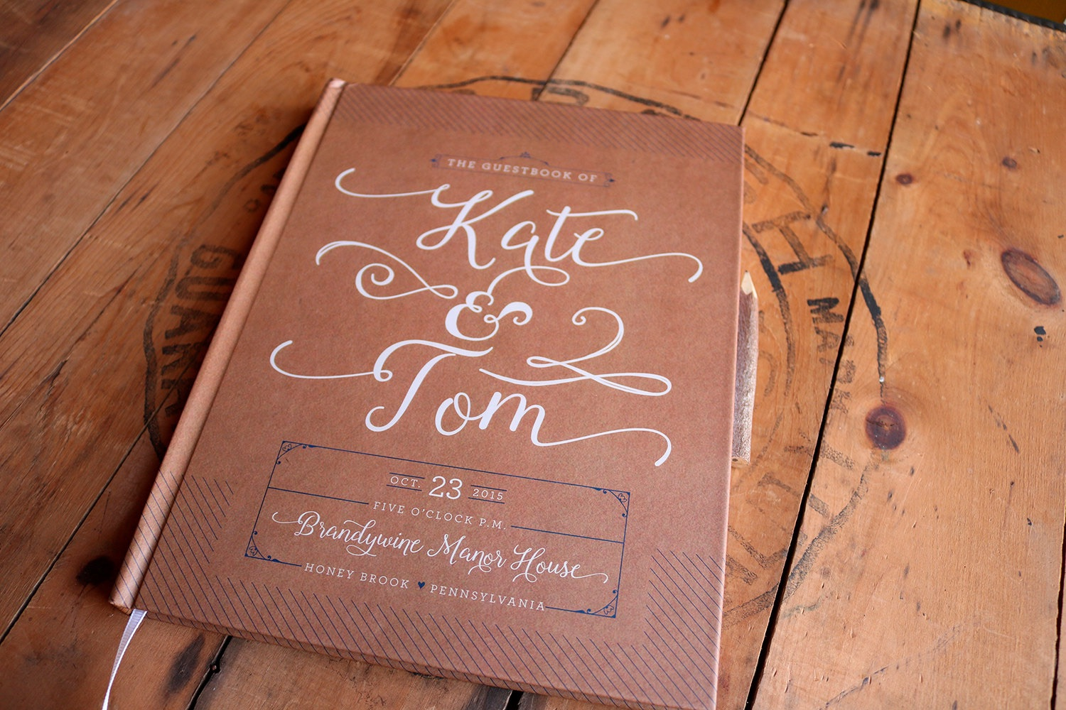 unique-wedding-ideas-rustic-wedding-guest-book-102516.jpg