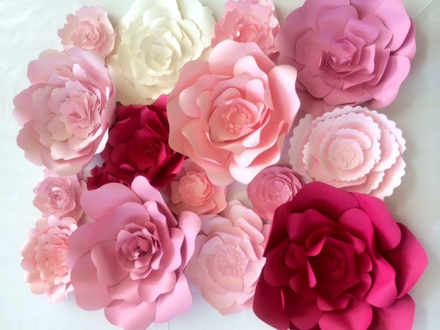 unique-wedding-ideas-paper-flower-wall-102516.jpg