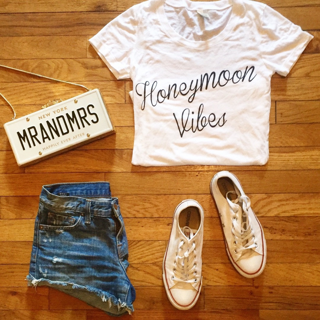 unique-wedding-ideas-honeymoon-vibes-tee-102516.jpg