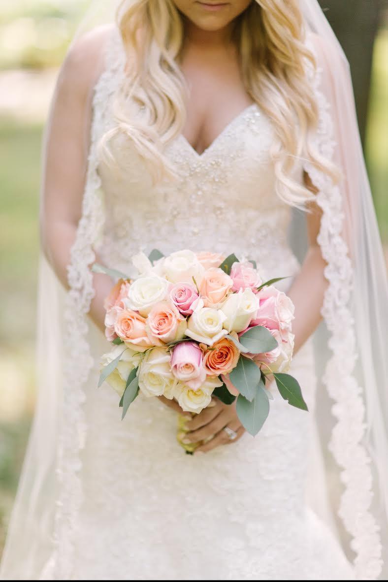 Beautiful Handmade Bridal Veil with Lace Edging by Blanca Veils / as seen on www.BrendasWeddingBlog.com