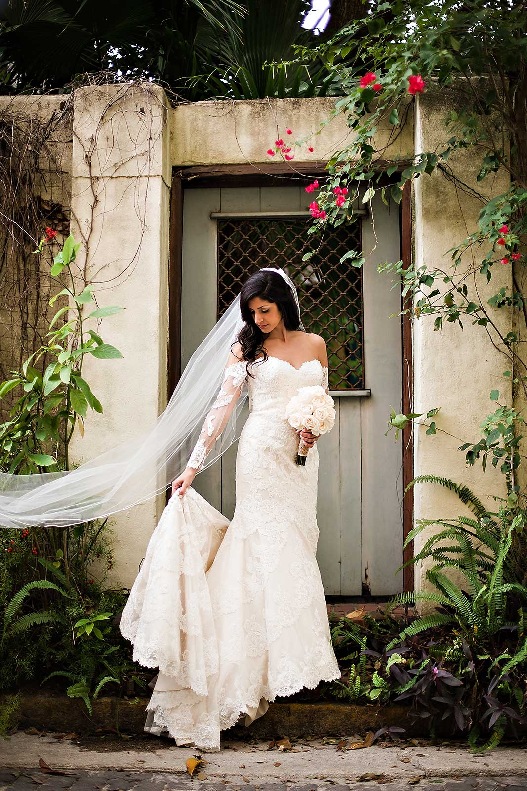 Gorgeous Lace Wedding Dress from a Florida Wedding on a Budget / photo by Rae Leytham Photography / St. Augustine Florida