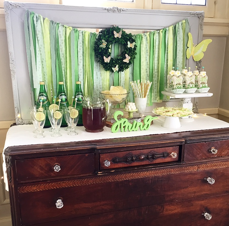 creative-diy-wedding-ideas-spring-green-drinks.jpg