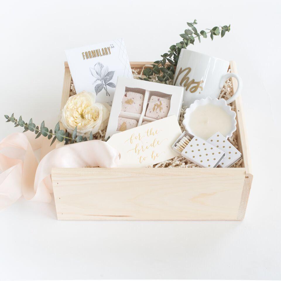 bridal-gift-sets-garter-girl-1.jpg
