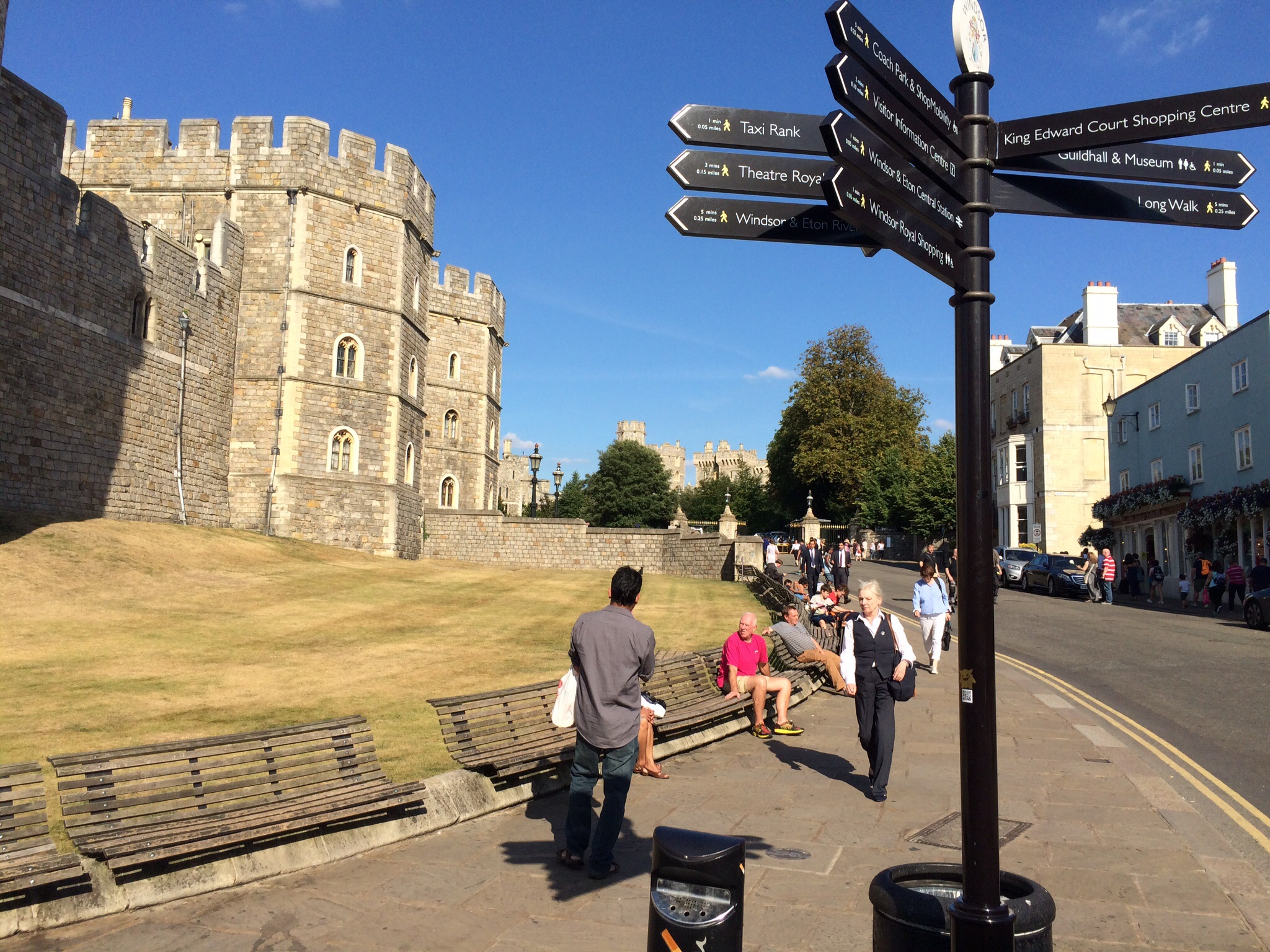 Our first close glimpse of Windsor Castle