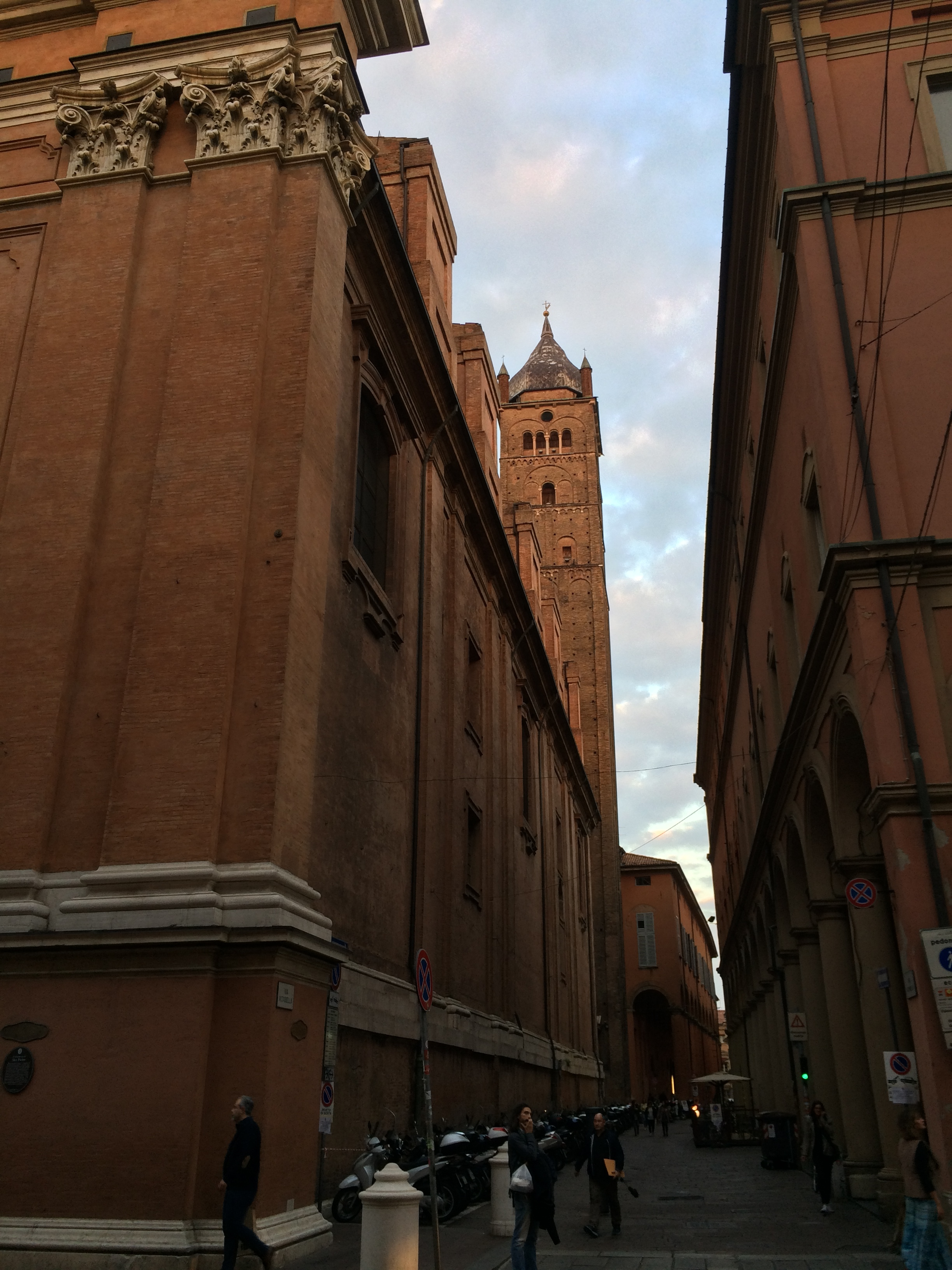 Bologna- from 11th Century- a city of towers