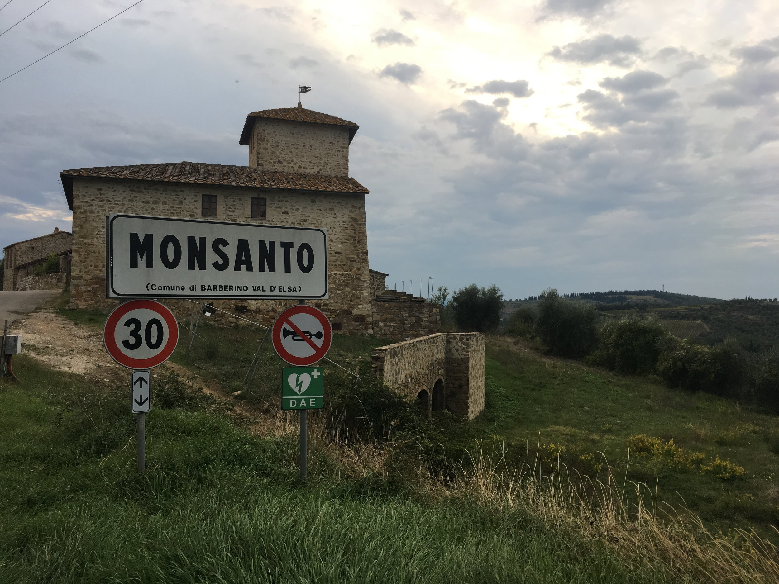 We passed through the hamlet of Monsanto on dusk with 340m to climb in 14km.
