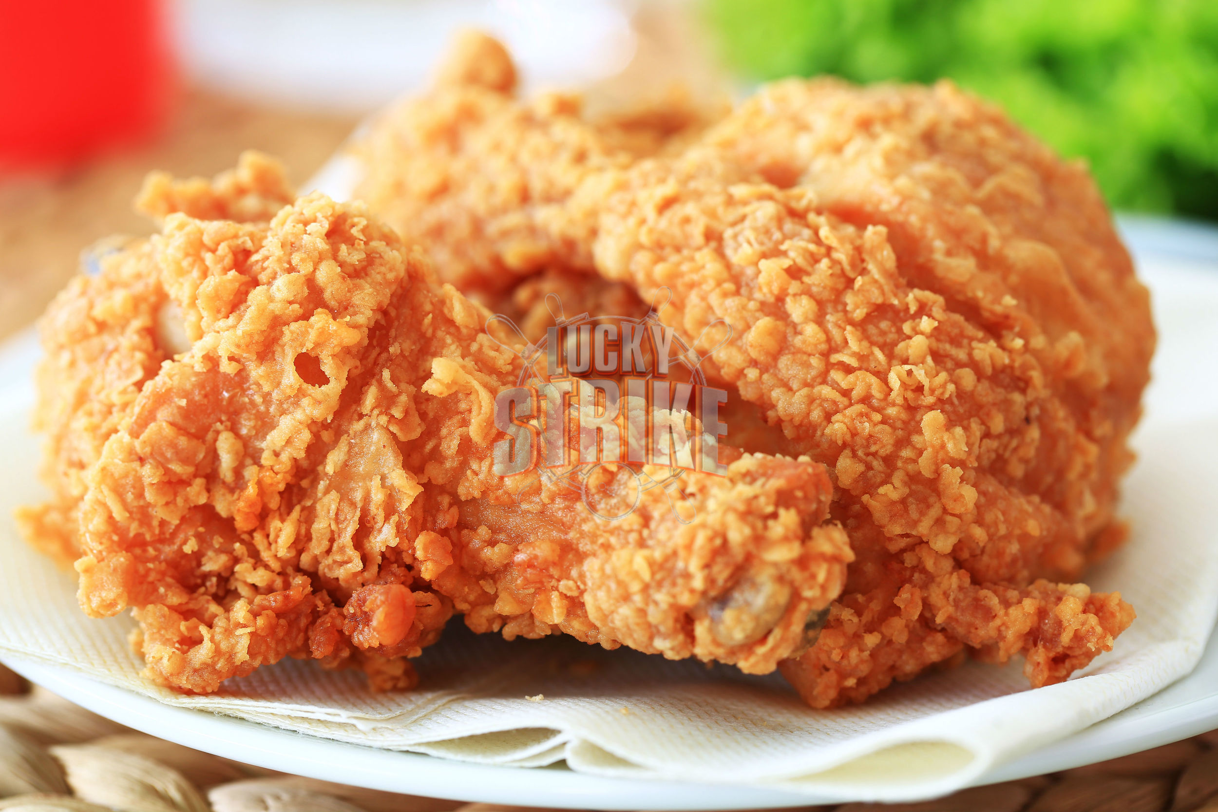 CHICKEN WINGS                                                                                                45/25                       Enjoy 12 or 6 tender, crispy and juicy fried chicken wings served with ranch & hot sauce