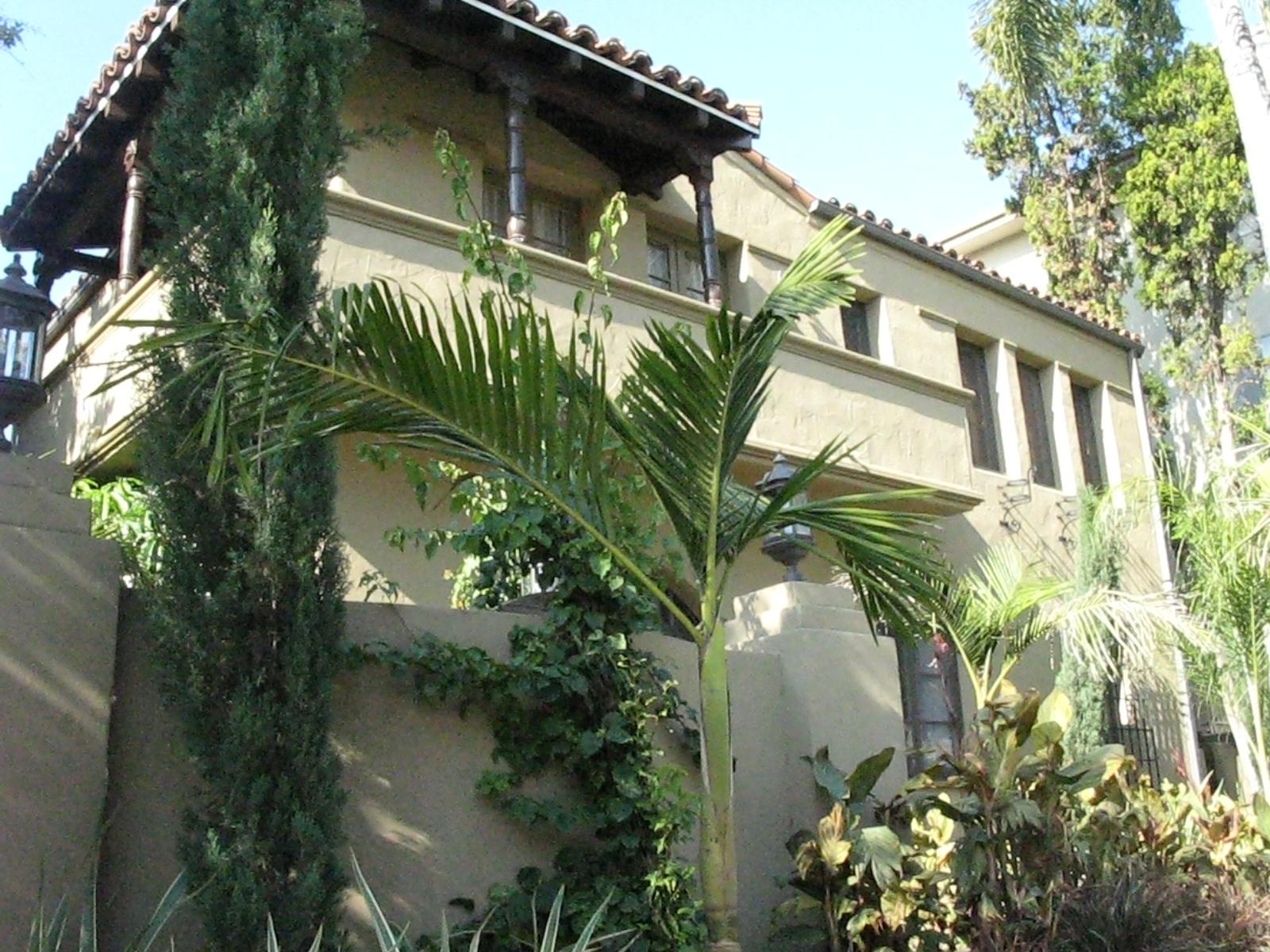 > Historic Las Ramblas del Sycamore $2,395