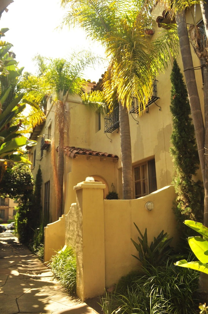 2 Bed/1 Bath Townhouse, The Grove @ $3,350