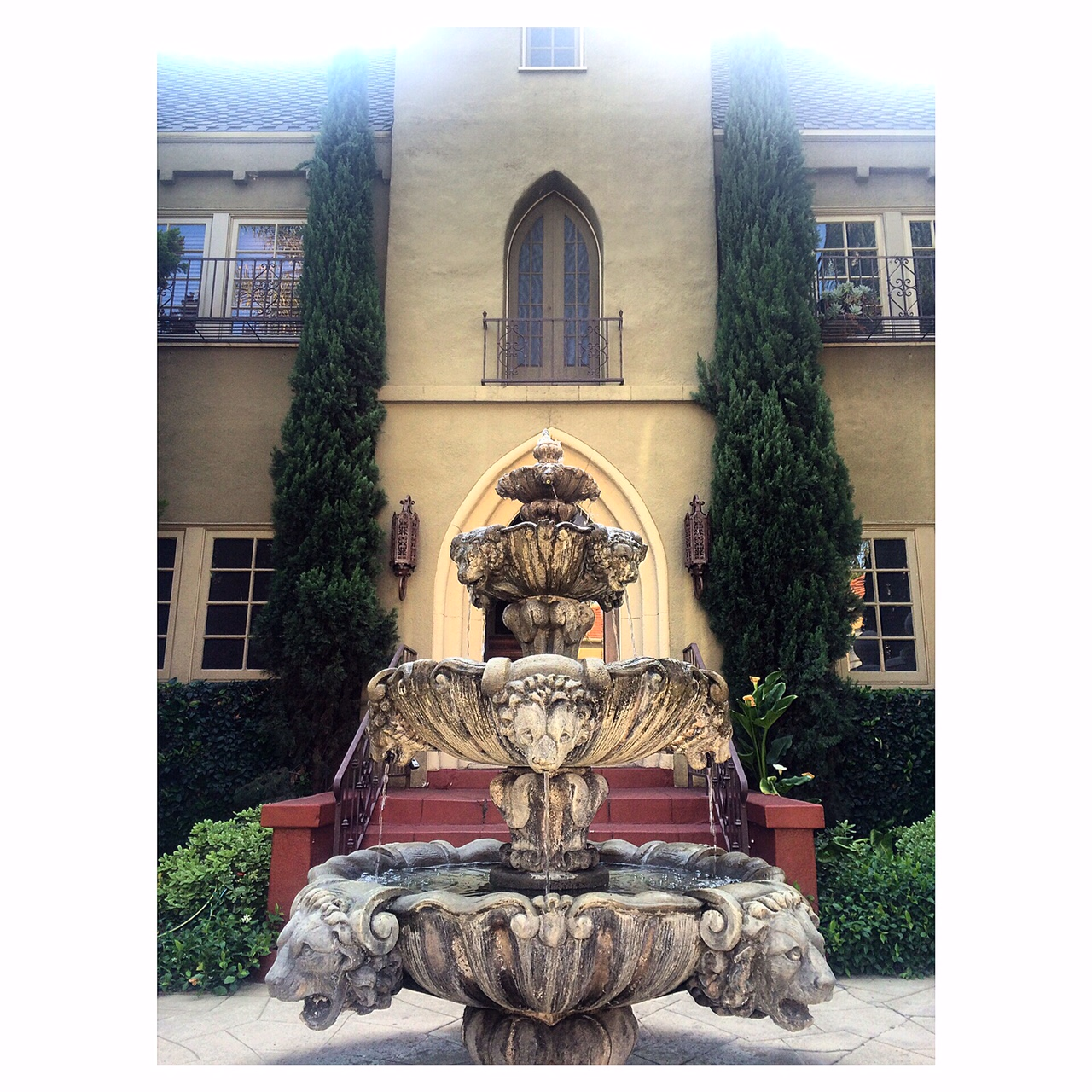 The Gothic @ Hampton Court Compound, Los Feliz, Late May/Early June @ $3,695