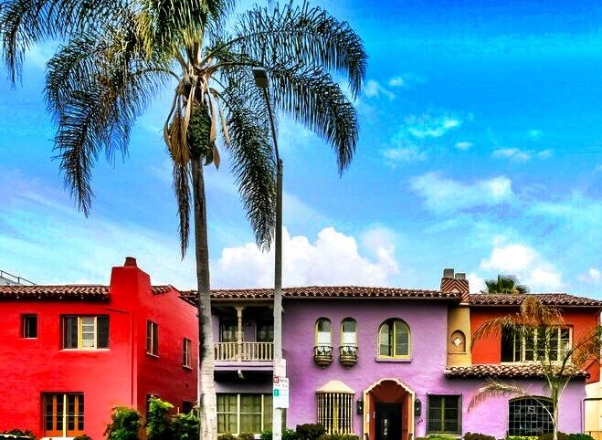 1 Bedroom upper-front Spanish, hardwood, parking July/Aug @ $2,495