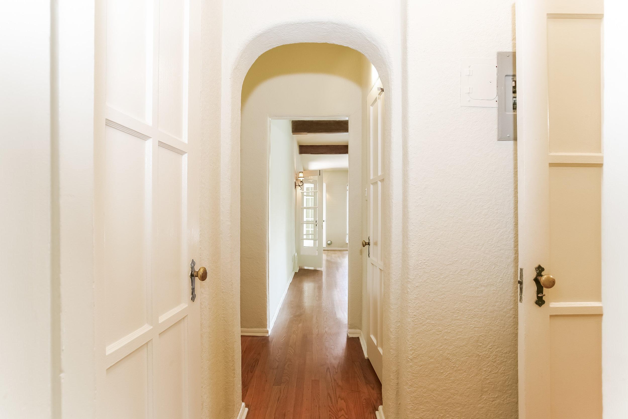 027-Hallway-1094554-print.jpg