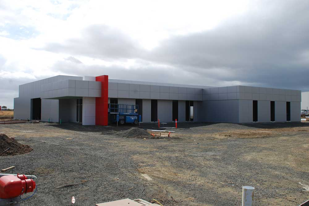 Pakenham Service Center