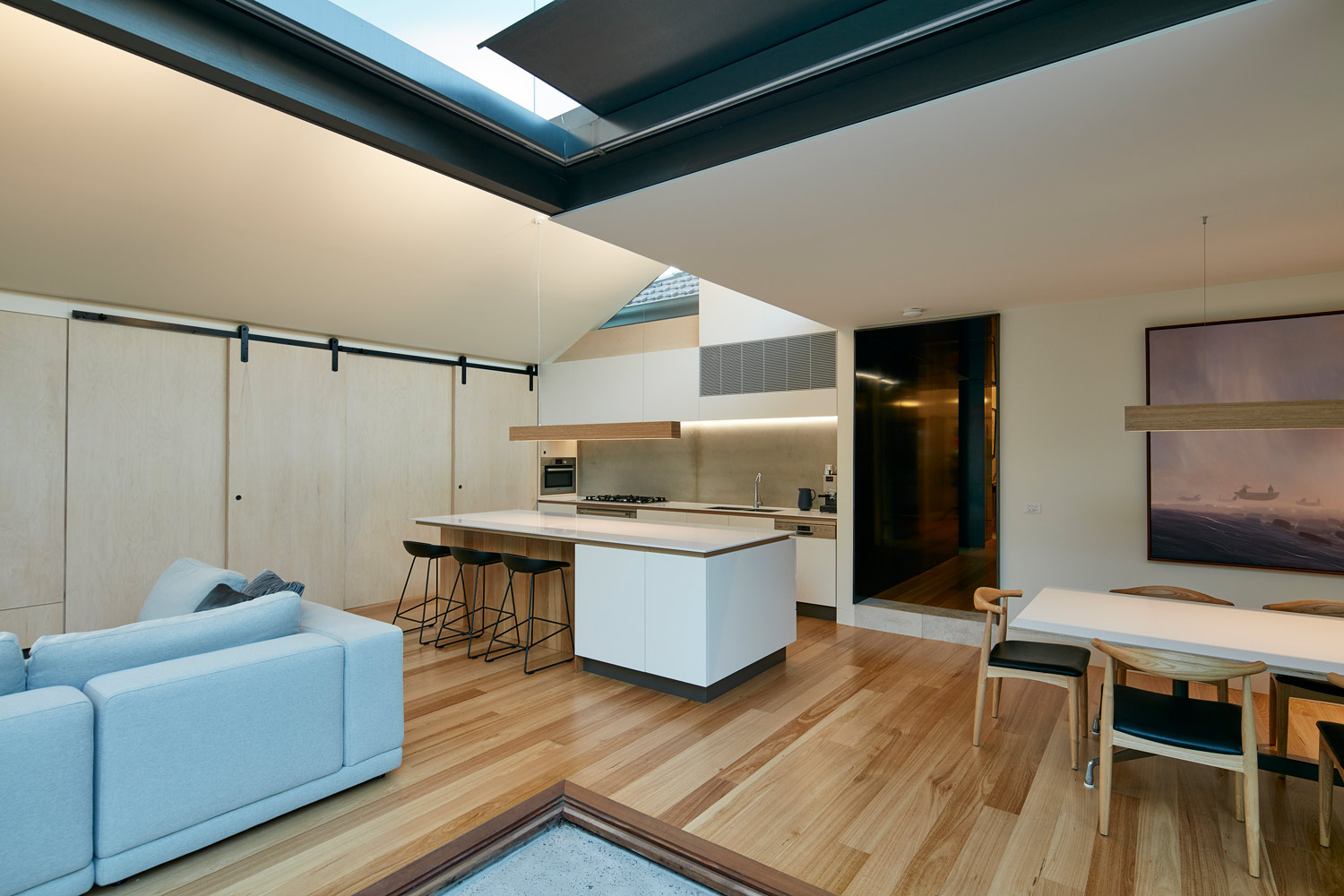 brighton-courtyard-house-renovation-by-warc-studio-02.jpg