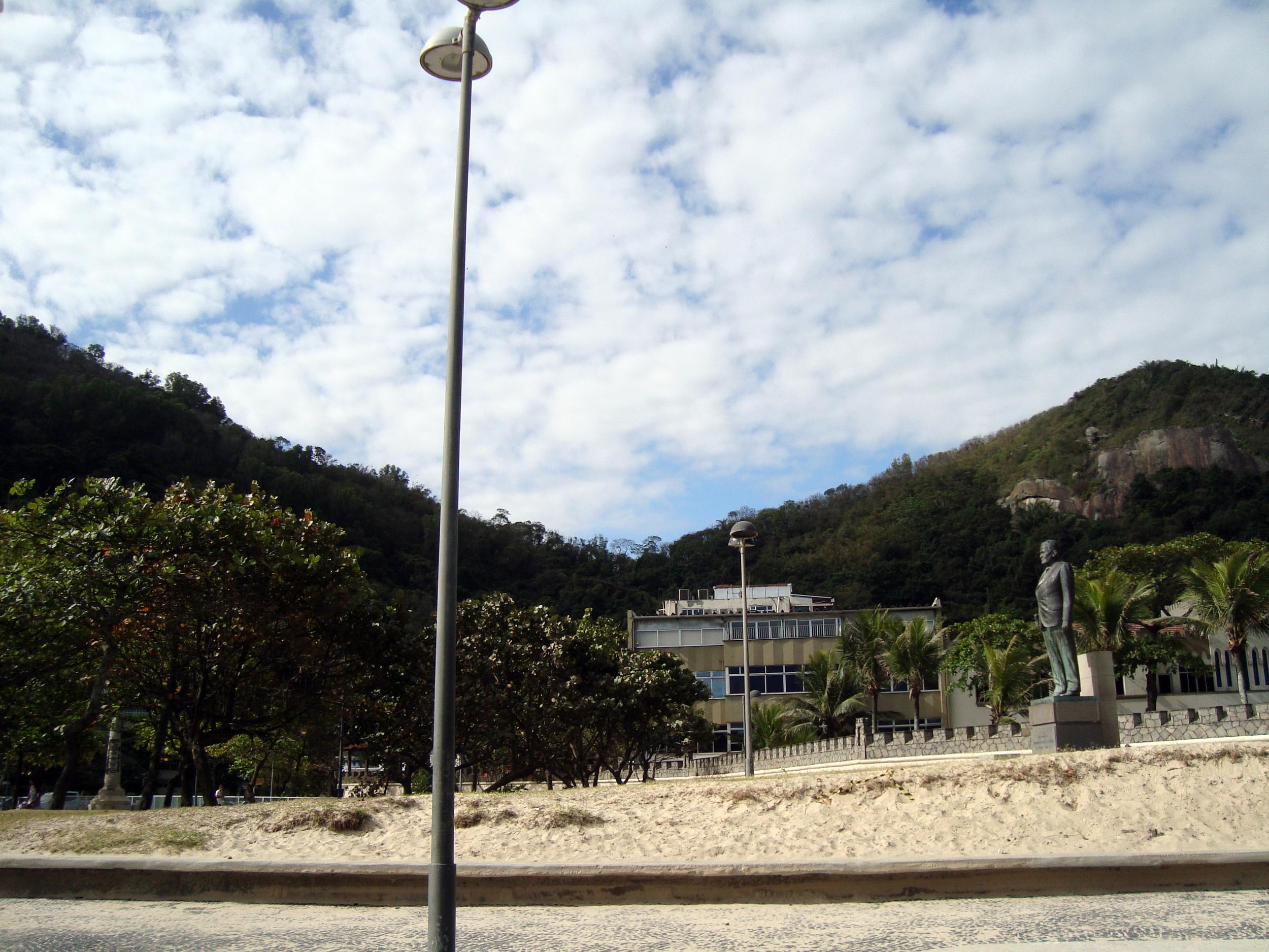 Praça do Leme, no final da praia de Copacabana