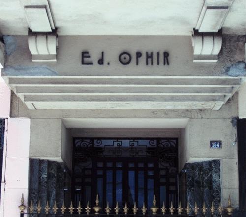 Portaria do Edifício Ophir na Rua Ronald de Carvalho