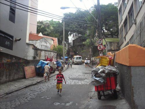 Rua Saint-Roman em Copacabana