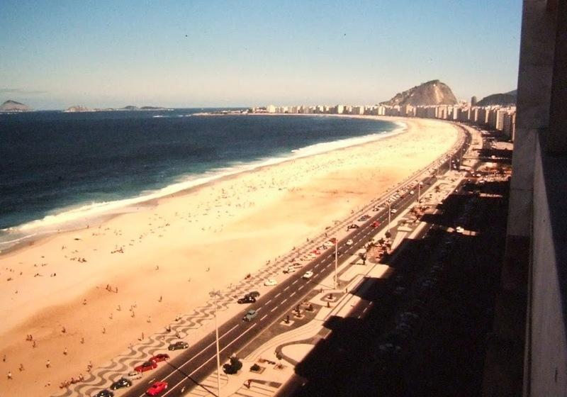 Uma Copacabana moderna em 1971