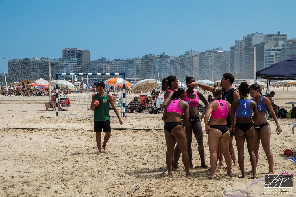 Handball feminino de areia em #Copacabana