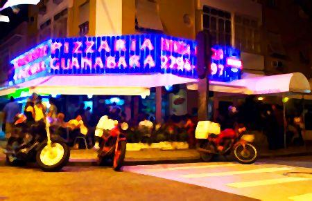A Pizzaria Guanabara fica na Rua Aristides Espinola