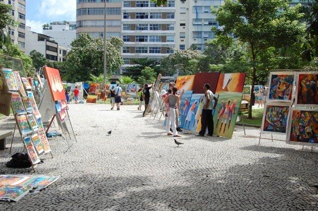 Feira Hippie de Ipanema na Praça General Osório